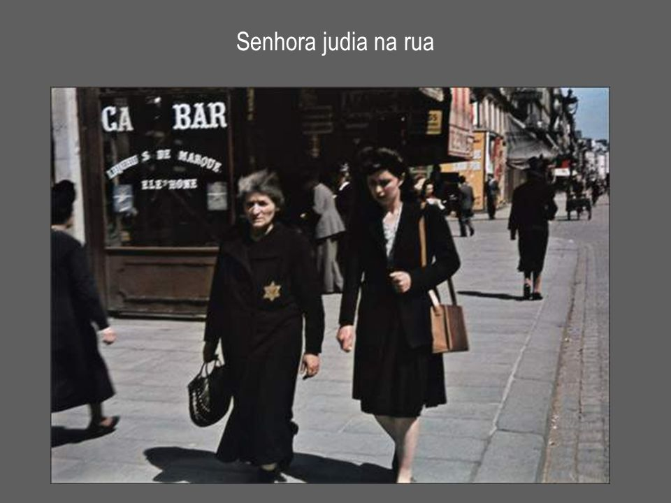 Senhora judia na rua