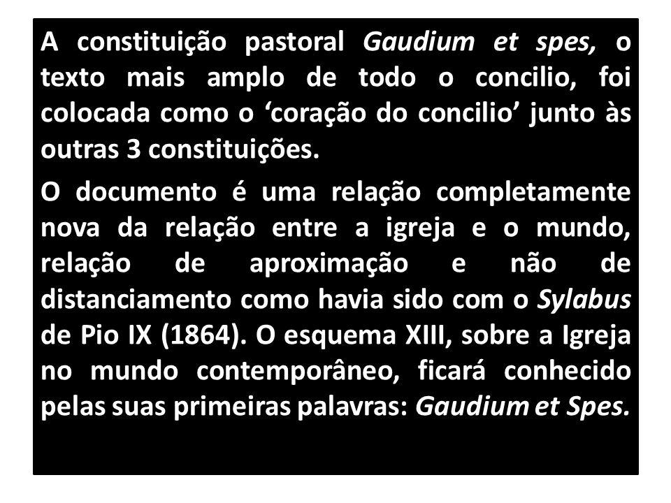 A constituição pastoral Gaudium et spes, o texto mais amplo de todo o concilio, foi colocada como o 'coração do concilio' junto às outras 3 constituições.