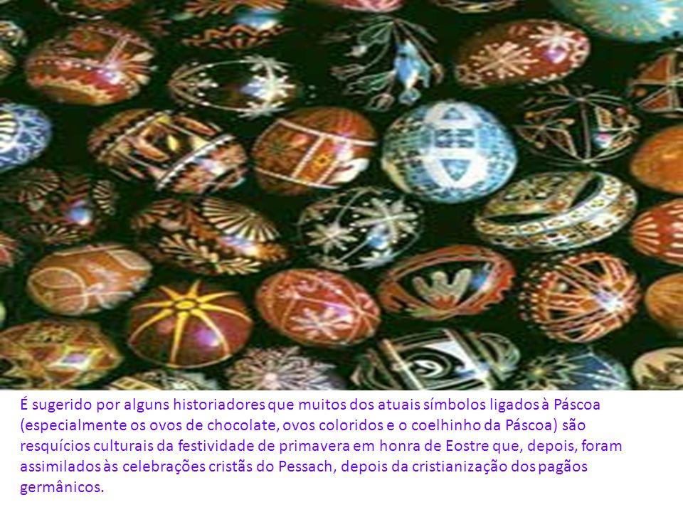 É sugerido por alguns historiadores que muitos dos atuais símbolos ligados à Páscoa (especialmente os ovos de chocolate, ovos coloridos e o coelhinho da Páscoa) são resquícios culturais da festividade de primavera em honra de Eostre que, depois, foram assimilados às celebrações cristãs do Pessach, depois da cristianização dos pagãos germânicos.