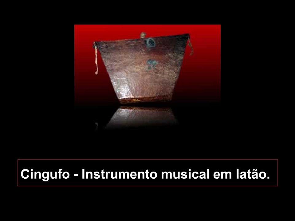 Cingufo - Instrumento musical em latão.