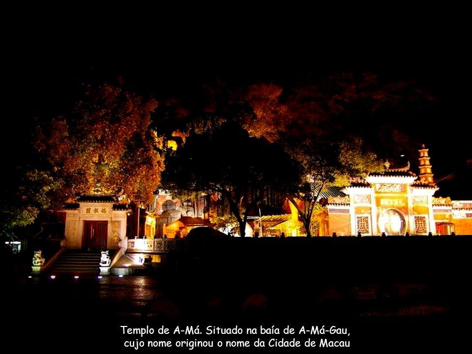 Templo de A-Má. Situado na baía de A-Má-Gau,