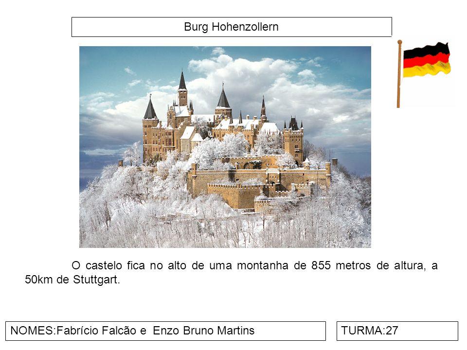 Burg Hohenzollern O castelo fica no alto de uma montanha de 855 metros de altura, a 50km de Stuttgart.