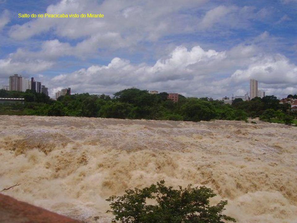 Salto do rio Piracicaba visto do Mirante