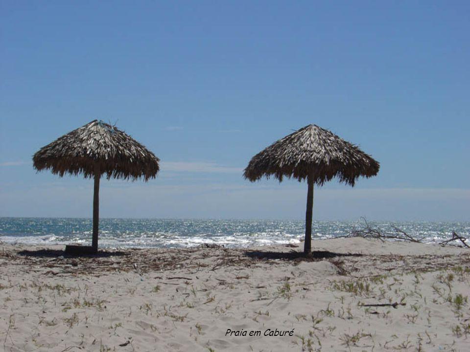 Praia em Caburé