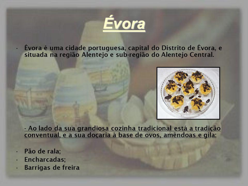 Évora Évora é uma cidade portuguesa, capital do Distrito de Évora, e situada na região Alentejo e sub-região do Alentejo Central.