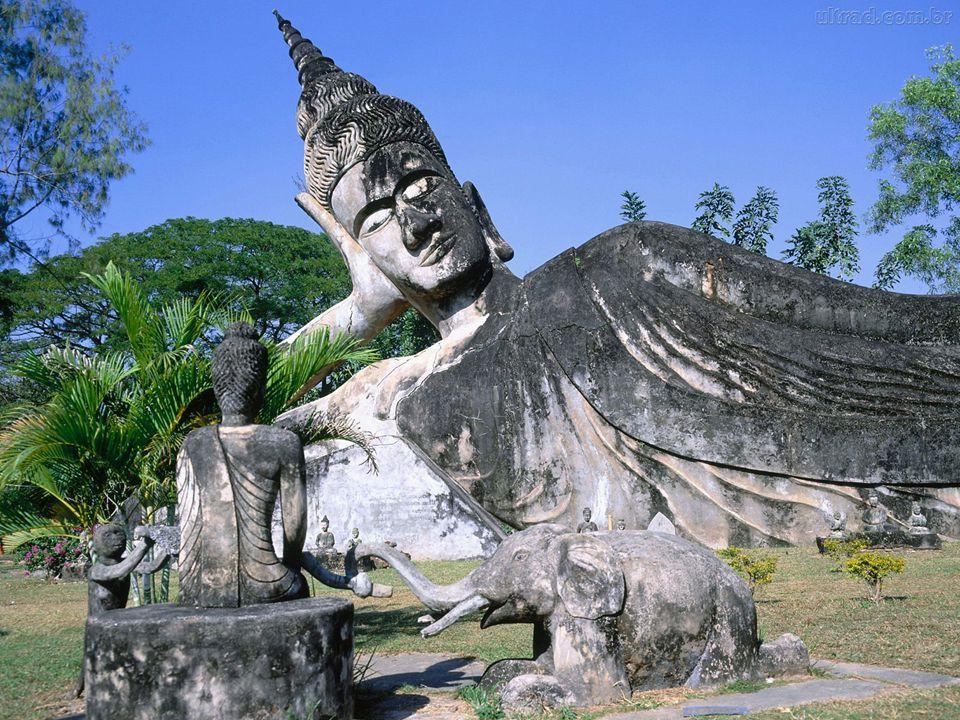 HISTÓRIA O Budismo foi fundado na Índia há 2500 anos (séc.
