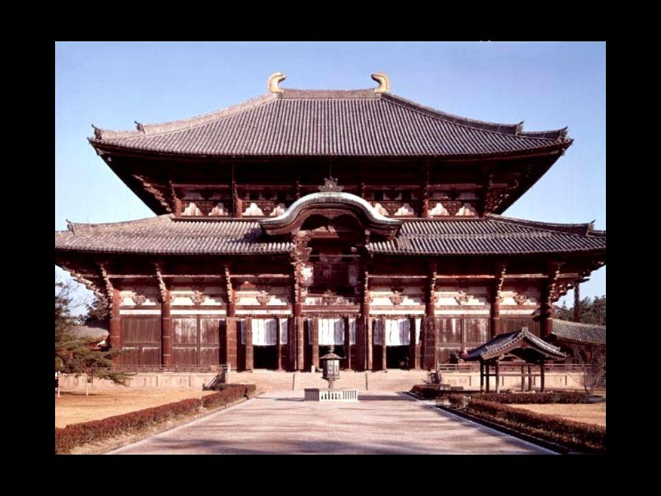 TEMPLOS E ORAÇÕES Os Budistas visitam mosteiros