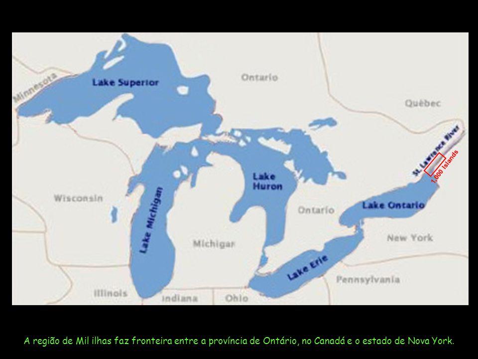 1,000 Islands A região de Mil ilhas faz fronteira entre a província de Ontário, no Canadá e o estado de Nova York.
