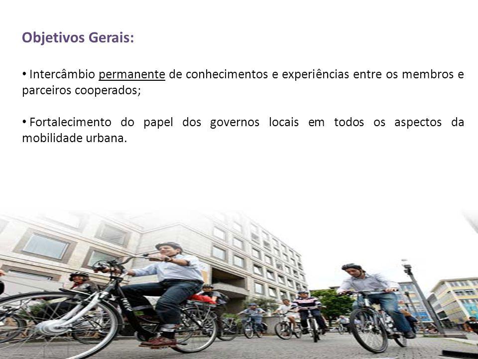 Objetivos Gerais: Intercâmbio permanente de conhecimentos e experiências entre os membros e parceiros cooperados;