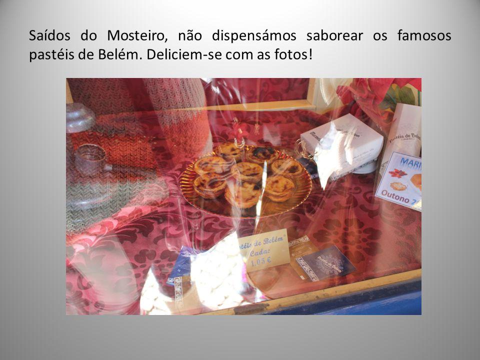 Saídos do Mosteiro, não dispensámos saborear os famosos pastéis de Belém. Deliciem-se com as fotos!
