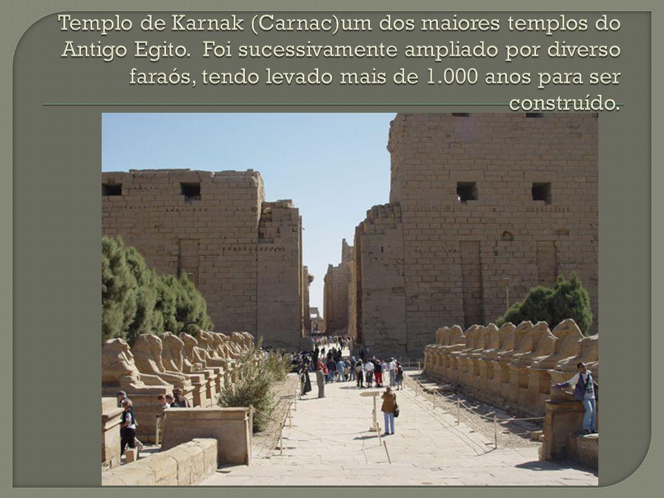 Templo de Karnak (Carnac)um dos maiores templos do Antigo Egito