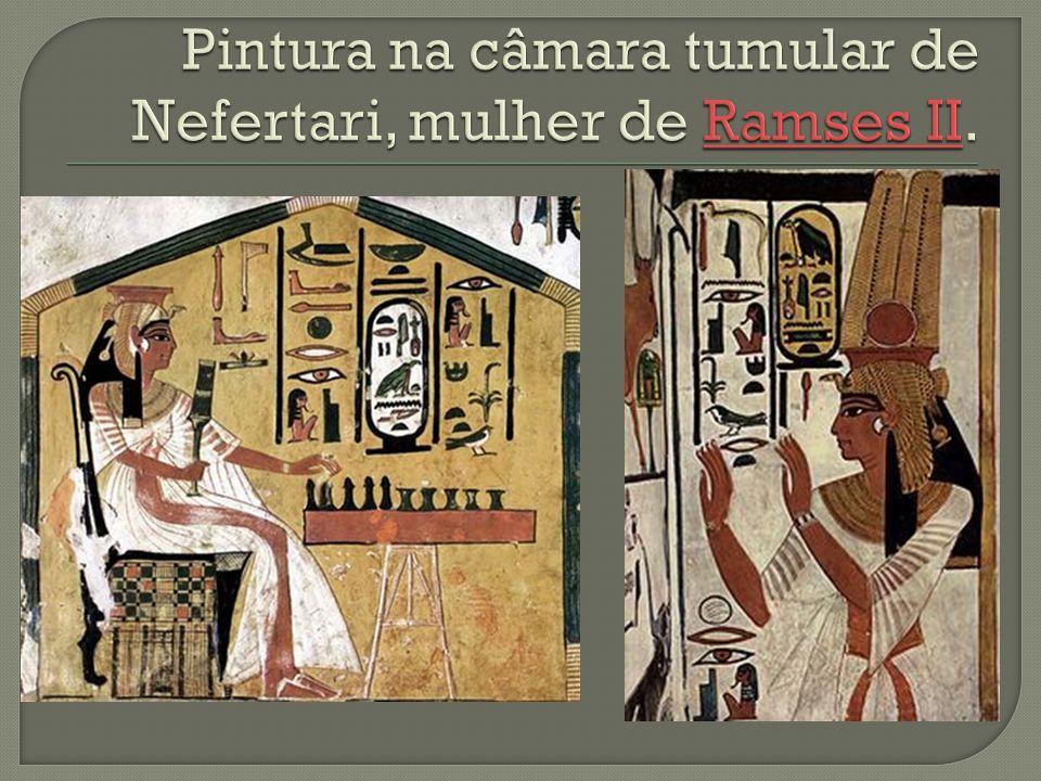 Pintura na câmara tumular de Nefertari, mulher de Ramses II.