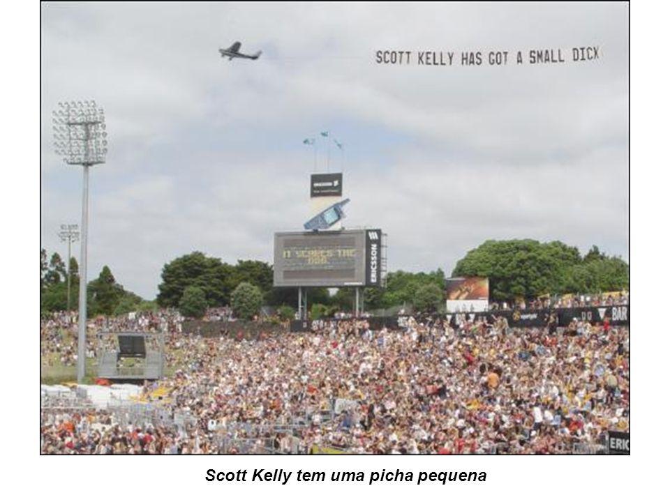 Scott Kelly tem uma picha pequena