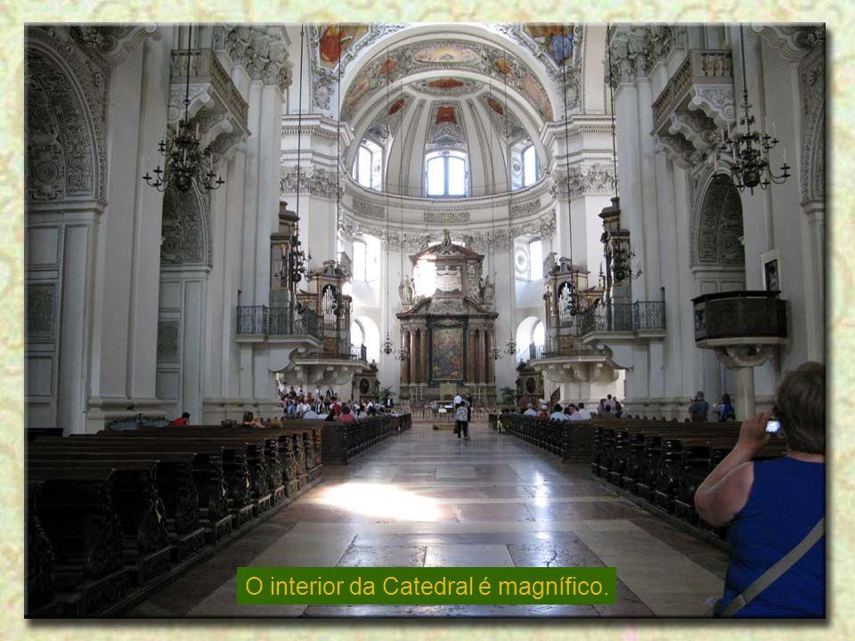 O interior da Catedral é magnífico.