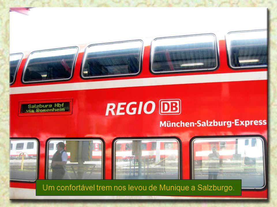 Um confortável trem nos levou de Munique a Salzburgo.