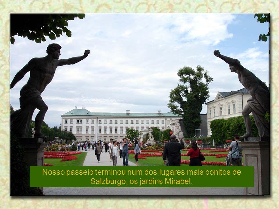 Nosso passeio terminou num dos lugares mais bonitos de Salzburgo, os jardins Mirabel.