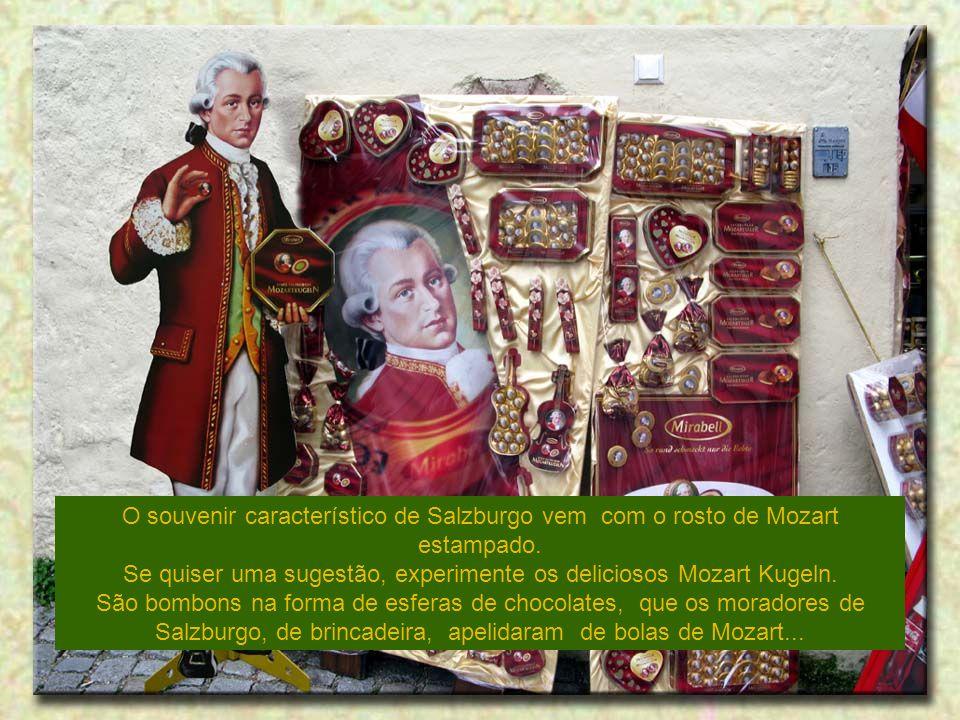 Se quiser uma sugestão, experimente os deliciosos Mozart Kugeln.
