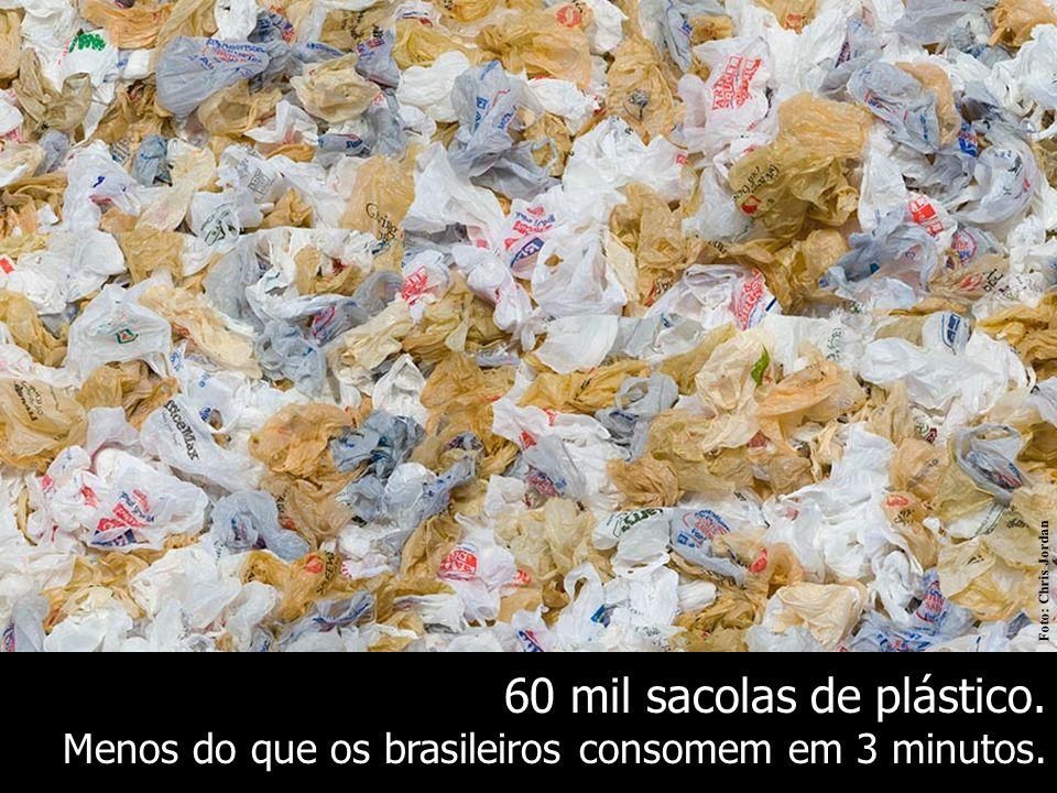 60 mil sacolas de plástico.