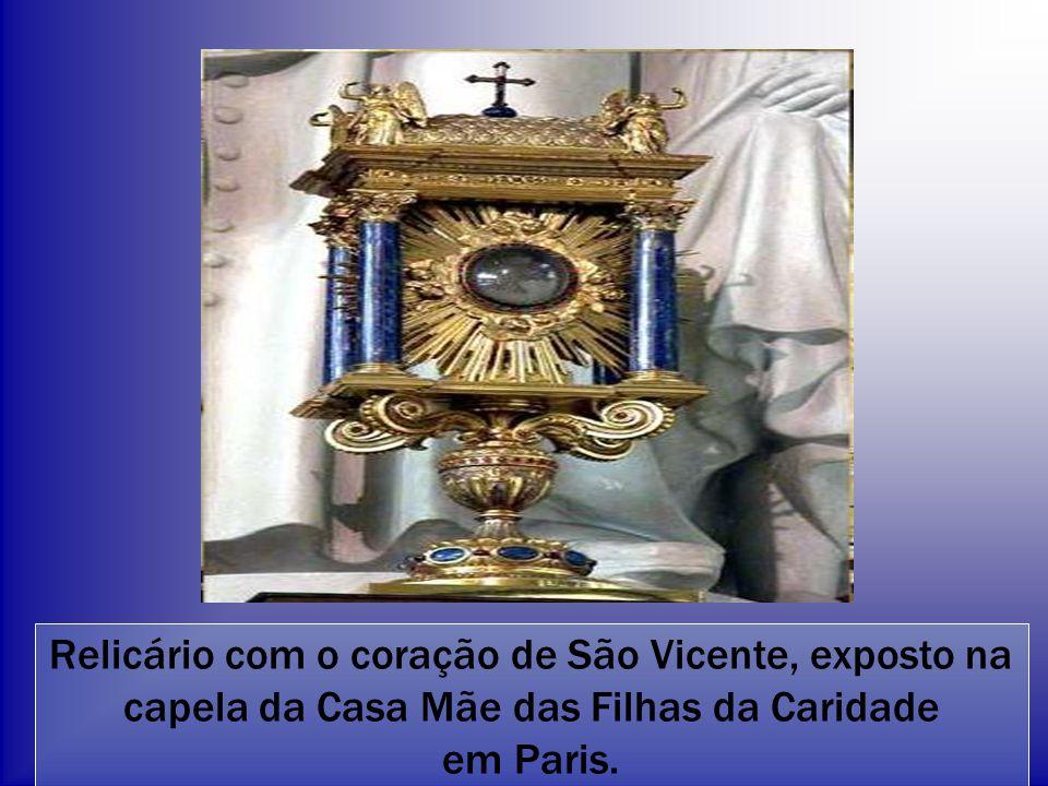 Relicário com o coração de São Vicente, exposto na capela da Casa Mãe das Filhas da Caridade em Paris.