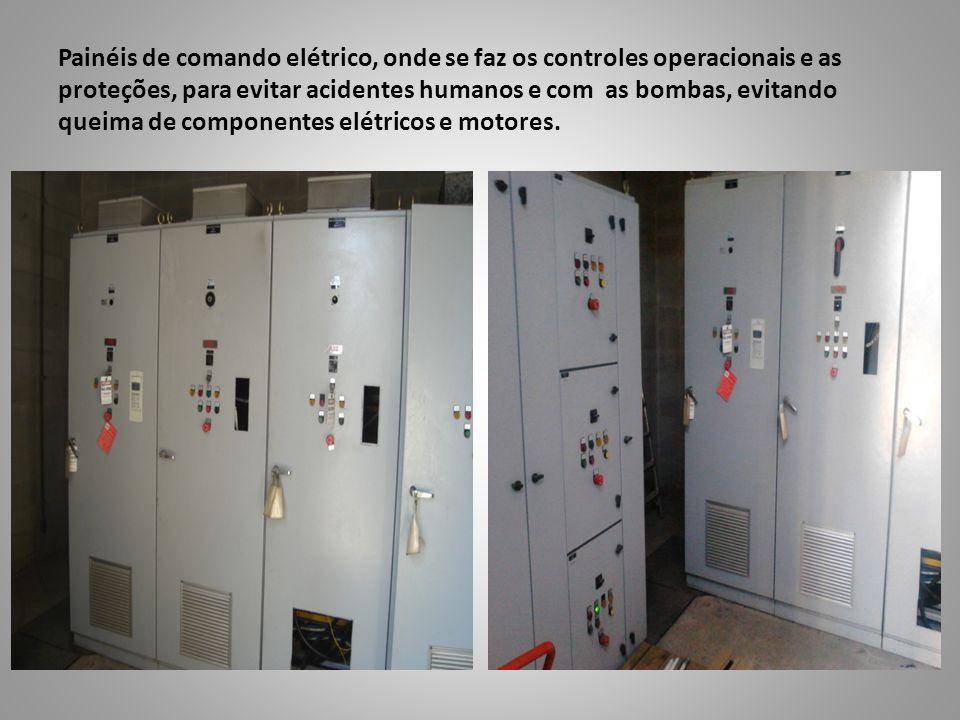 Painéis de comando elétrico, onde se faz os controles operacionais e as proteções, para evitar acidentes humanos e com as bombas, evitando queima de componentes elétricos e motores.