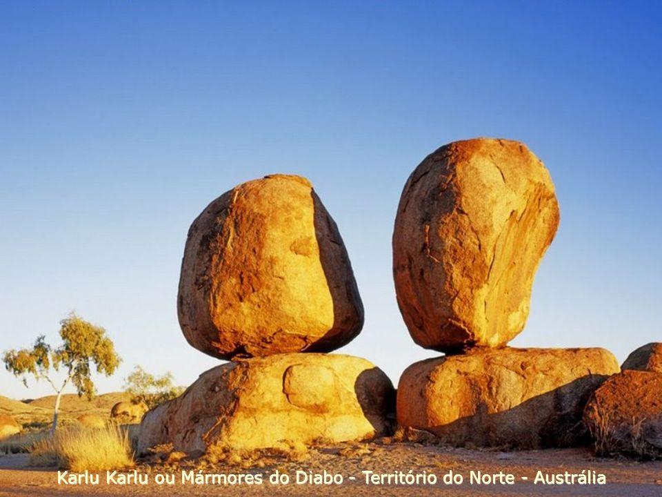 Karlu Karlu ou Mármores do Diabo - Território do Norte - Austrália