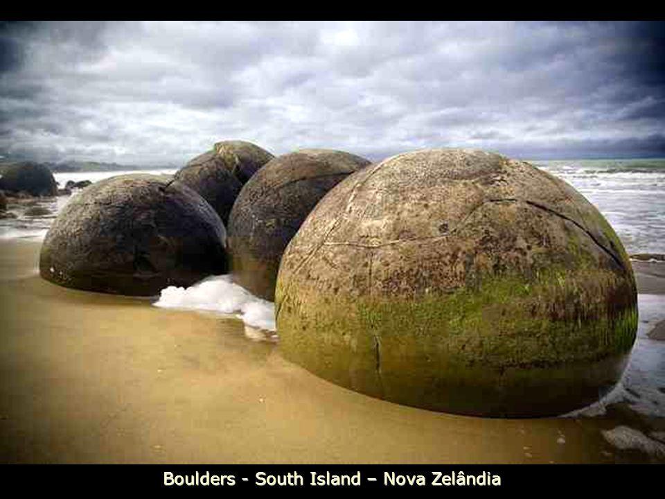 Boulders - South Island – Nova Zelândia