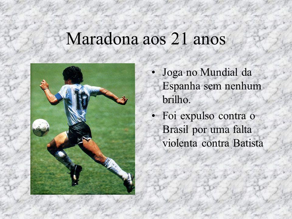 Maradona aos 21 anos Joga no Mundial da Espanha sem nenhum brilho.