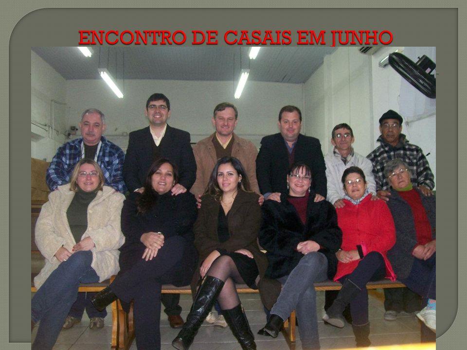 ENCONTRO DE CASAIS EM JUNHO
