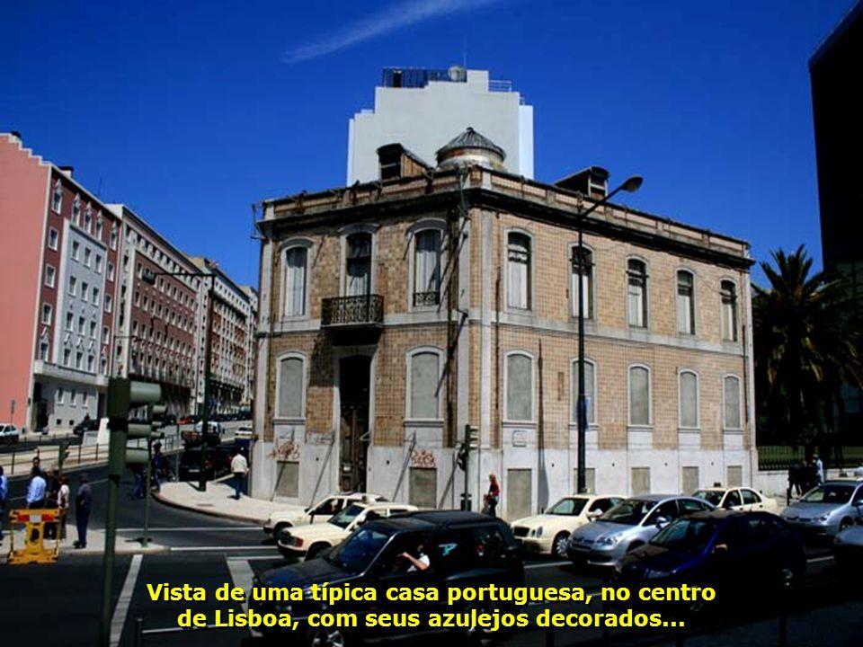 IMG_3363 - PORTUGAL - LISBOA - PRÉDIO-700