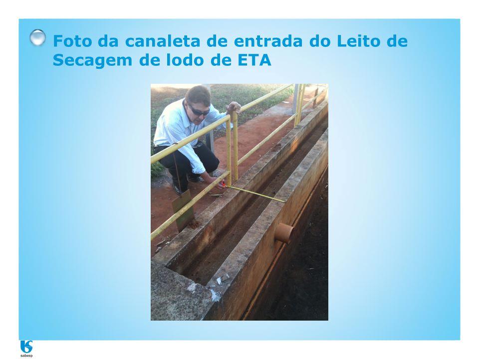 Foto da canaleta de entrada do Leito de Secagem de lodo de ETA