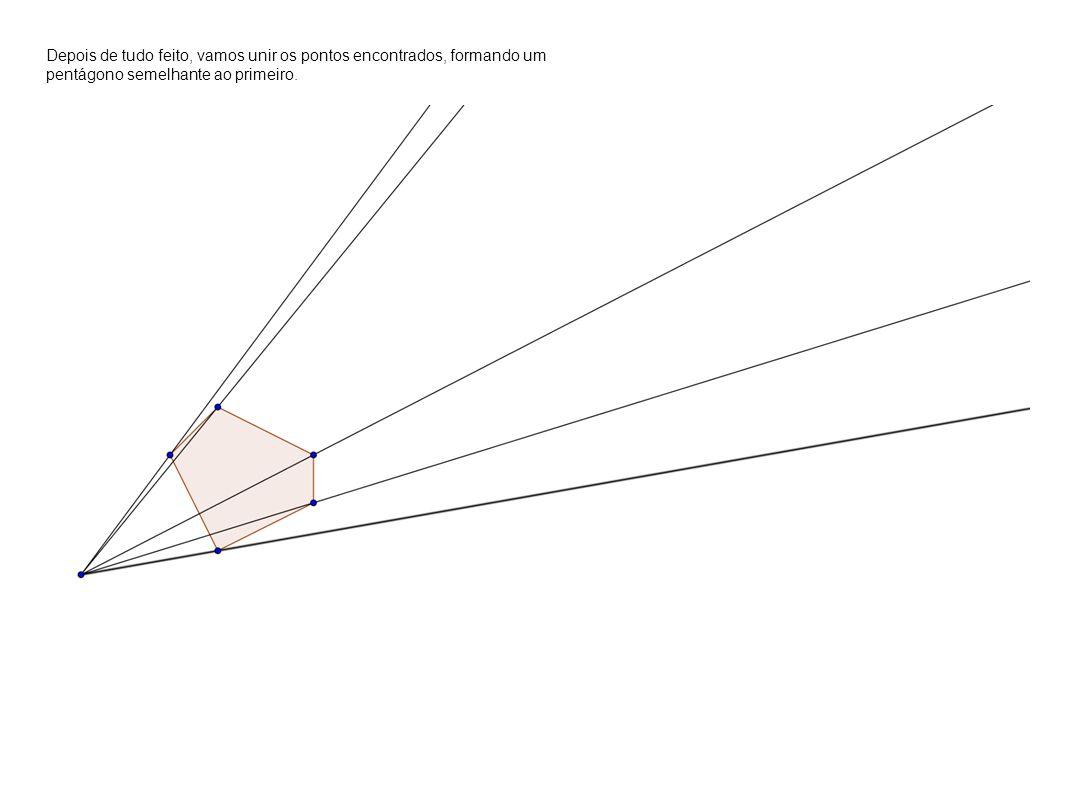 Depois de tudo feito, vamos unir os pontos encontrados, formando um pentágono semelhante ao primeiro.