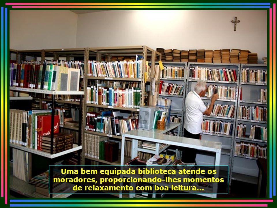 IMG_4915 - PIRACICABA - LAR DOS VELHINHOS - BIBLIOTECA-670