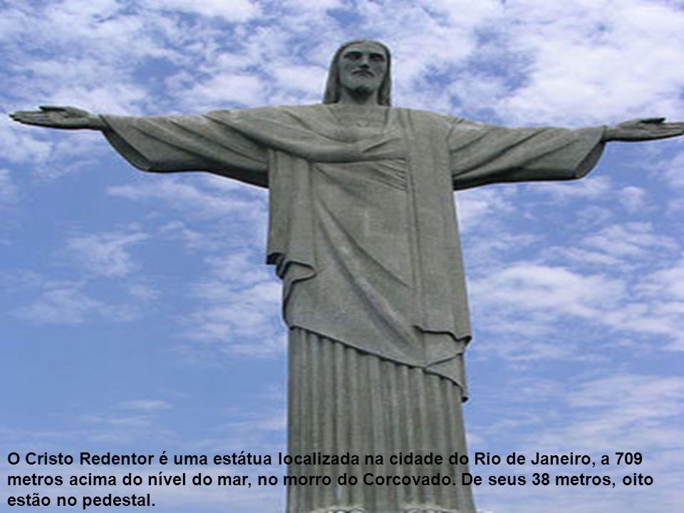 O Cristo Redentor é uma estátua localizada na cidade do Rio de Janeiro, a 709 metros acima do nível do mar, no morro do Corcovado.