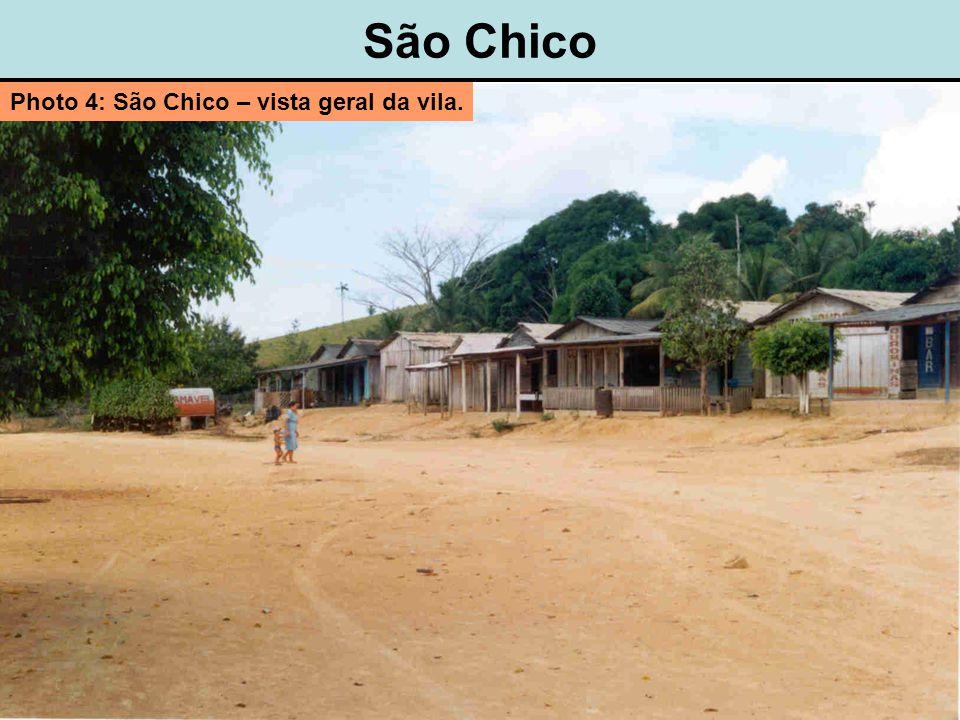 São Chico Photo 4: São Chico – vista geral da vila.