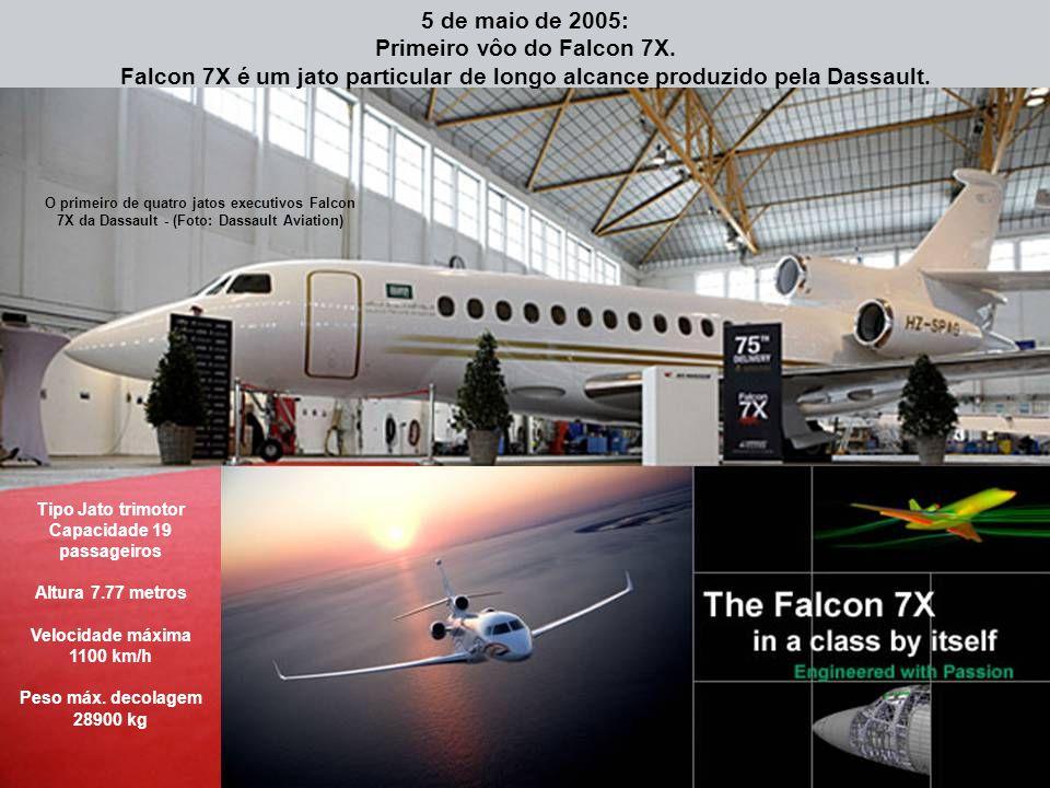 Primeiro vôo do Falcon 7X.