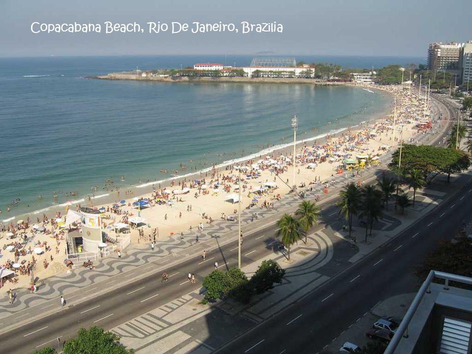 Copacabana Beach, Rio De Janeiro, Brazilia