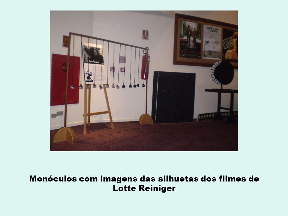 Monóculos com imagens das silhuetas dos filmes de Lotte Reiniger
