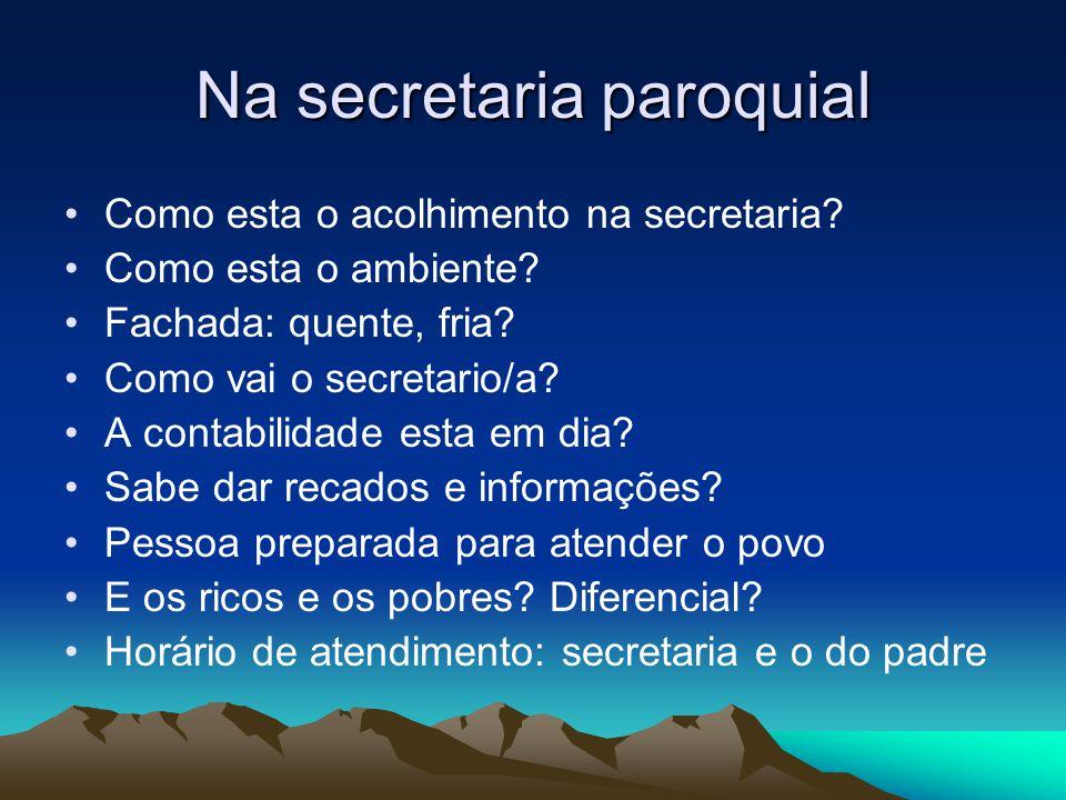 Na secretaria paroquial