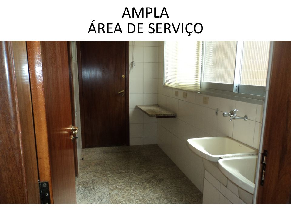 AMPLA ÁREA DE SERVIÇO