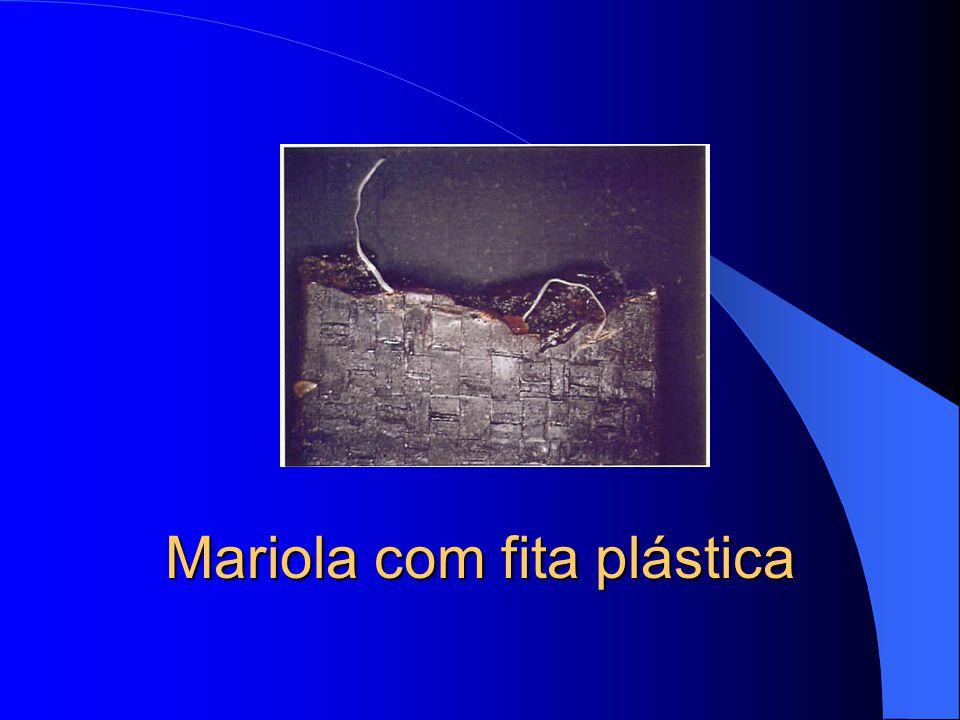 Mariola com fita plástica