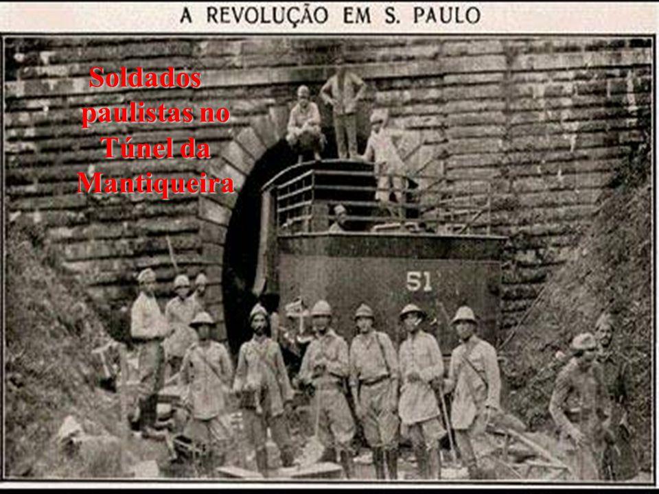 Soldados paulistas no Túnel da Mantiqueira