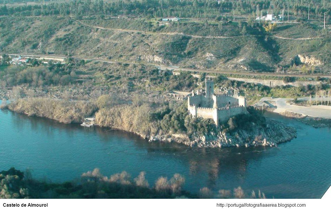 Castelo de Almourol http://portugalfotografiaaerea.blogspot.com