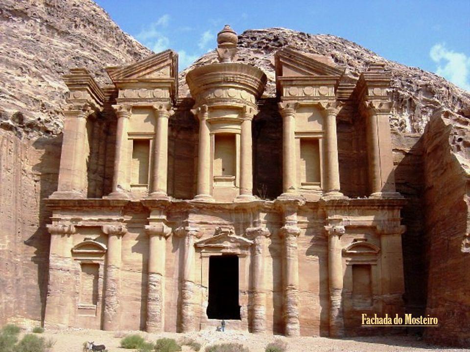 Fachada do Mosteiro