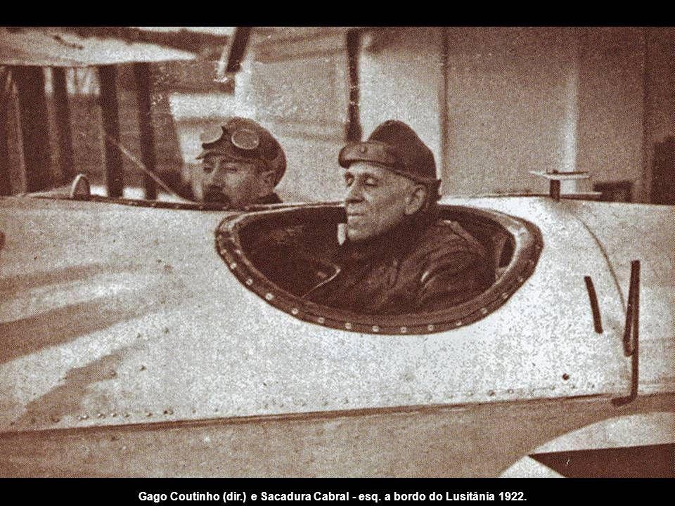 Gago Coutinho (dir. ) e Sacadura Cabral - esq