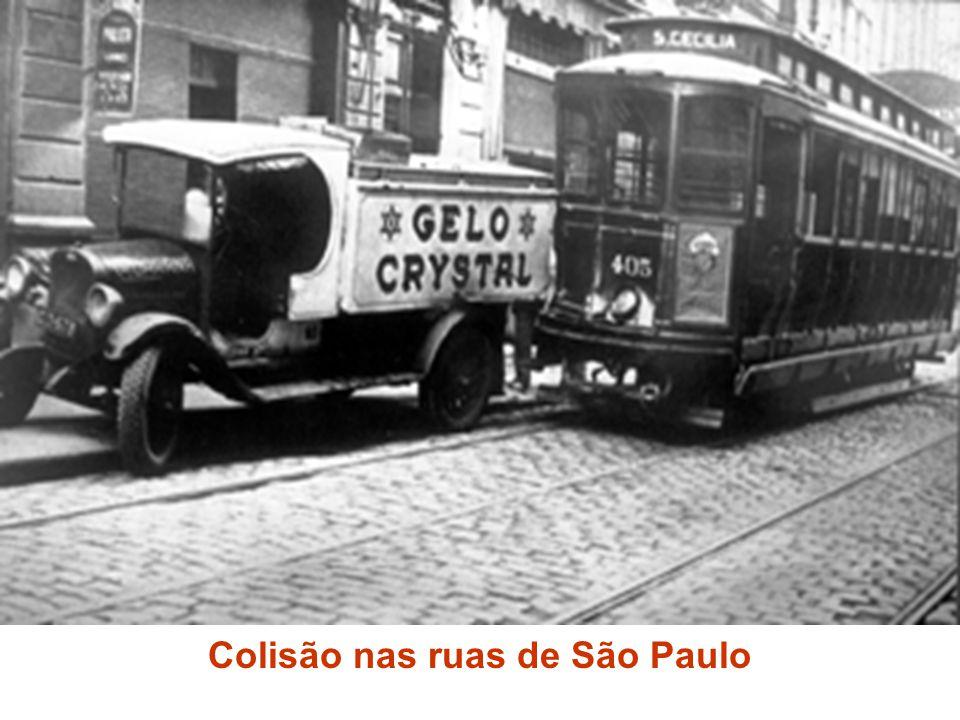 Colisão nas ruas de São Paulo