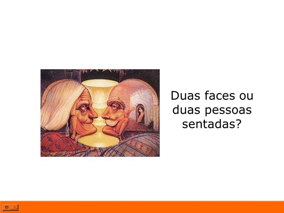 Duas faces ou duas pessoas sentadas