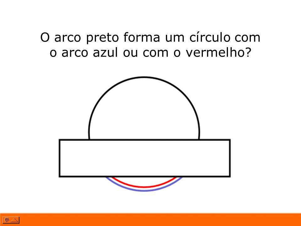 O arco preto forma um círculo com o arco azul ou com o vermelho
