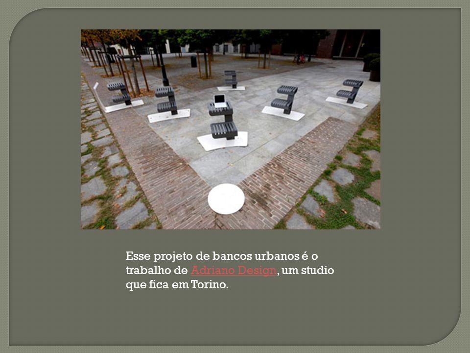 Esse projeto de bancos urbanos é o trabalho de Adriano Design, um studio que fica em Torino.