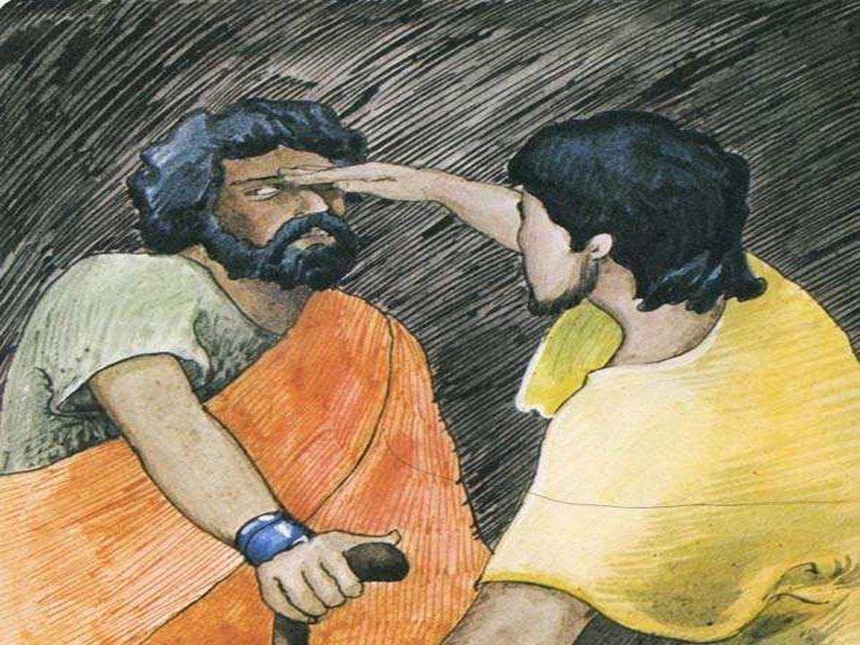 Na 2ª Leitura, Paulo salienta a necessidade de viver como filhos da Luz . No Batismo, recebemos a Luz de Cristo e fomos convidados.