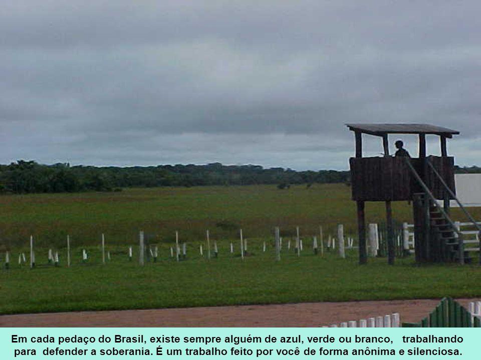 Em cada pedaço do Brasil, existe sempre alguém de azul, verde ou branco, trabalhando